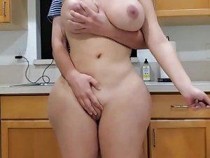 Leaks Pussy